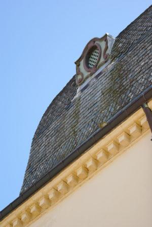 château des Rochers Sévigné, détail de la toiture