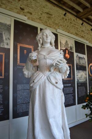 Sculpture de Madame de Sévigné, Musée des Rochers