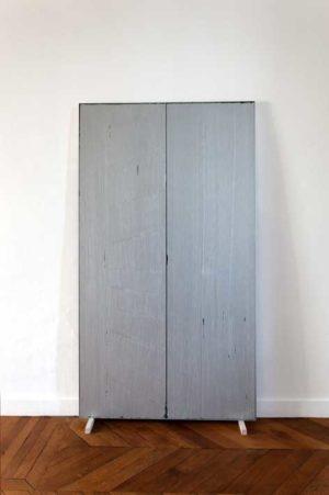 Zone, 2010, peinture grise, impacts sur polystyrène